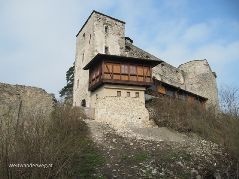 Die Burgruine Araburg, Kaumberg, Triestingtal, Niederösterreich