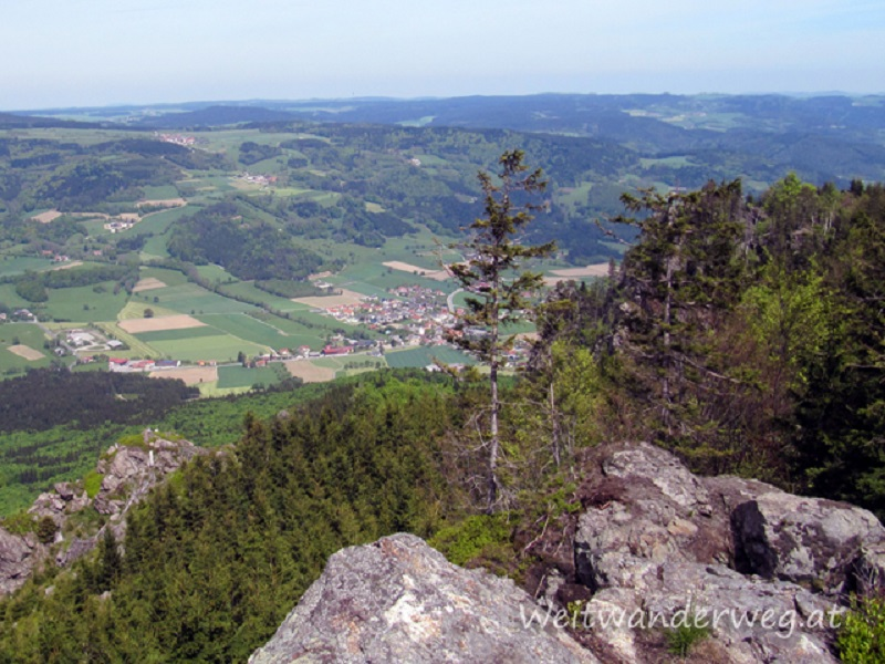 Auf dem Großen Peilstein, Ausblick nach Laimbach am Ostrong