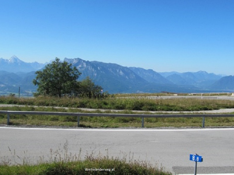 Ausblick vom Gaisberg Richtung Süden, zu den Alpen