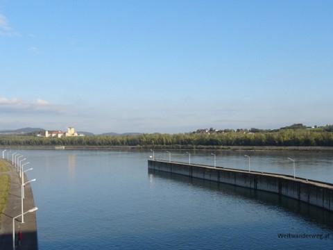 Die Donau bei Melk in Niederösterreich