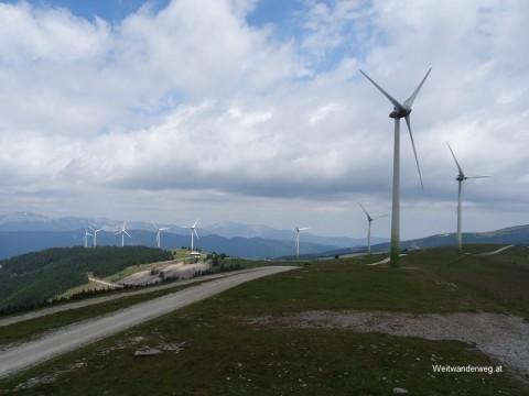 Die Fischbacher Alpen mit Windpark Pretul