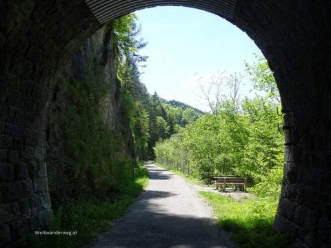 Tunnel an der Traisen zwischen Moosbach und Türnitz in Niederösterreich