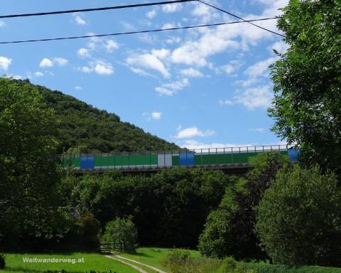 A21 Verbindungsautobahn bei Weissenbach im Wienerwald
