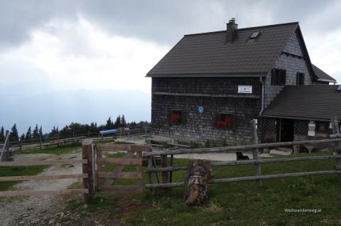 Reisalpen Schutzhaus auf der Reisalpe in den Gutensteiner Alpen