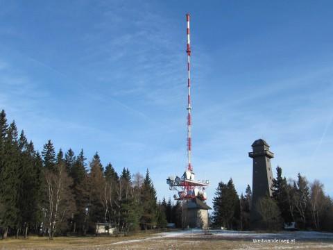 Sendeturm und Aussichtsturm auf dem Jauerling in der Wachau