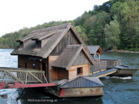 Die Schiffsmühle bei Mureck am Fluss Mur in der Südsteiermark