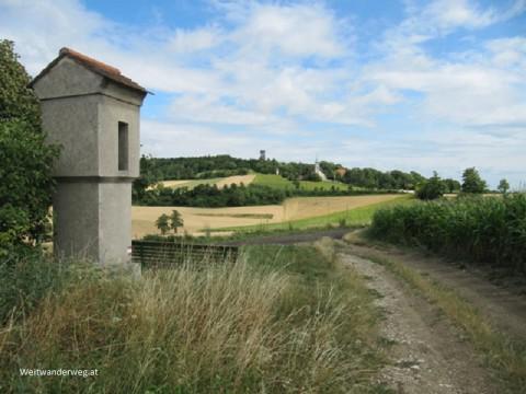 Bildstock neben Wanderweg im Weinviertel bei Wallfahrtskirche Oberleis