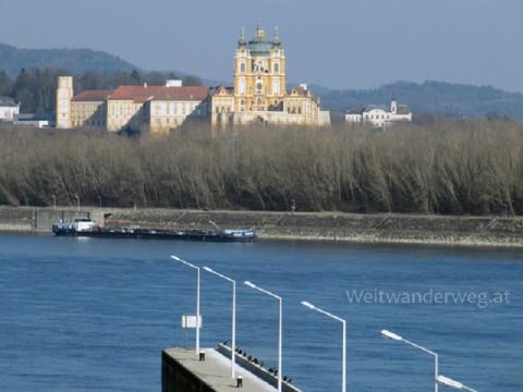 Melk an der Donau, Kraftwerk, Staumauer, Donauauen, Stift Melk