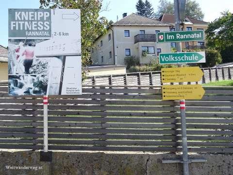 Wanderwegweiser in Oberkappel, Oberösterreich