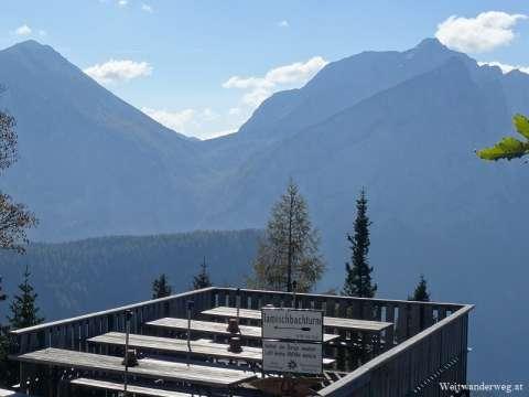 Ausblick von der Ennstaler Hütte im Gesäuse, Steiermark